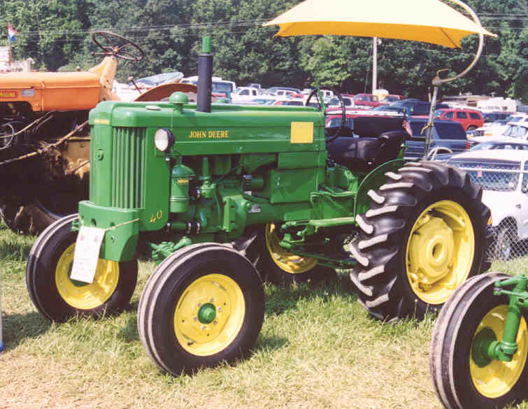 A restored JD 40 Standard at The Southeast Threshermens Reunion